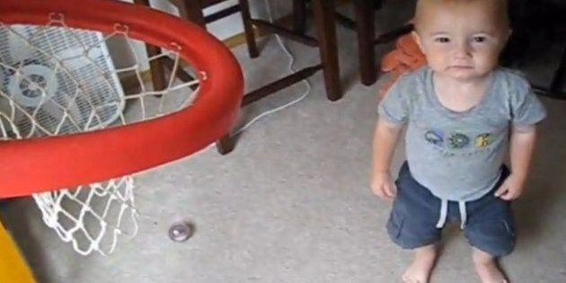 Viral: à deux ans, ce bébé est déjà un génie du basket
