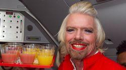 Richard Branson en hôtesse de l'air
