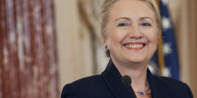 Hillary Clinton retourne au travail après un mois d'absence et une