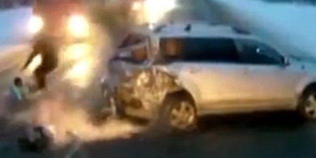 Un bébé d'un an sort miraculeusement indemne d'un accident de la route en Russie