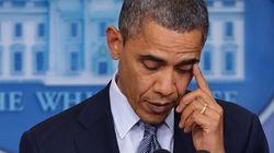 Obama, ému aux larmes, rend hommage aux