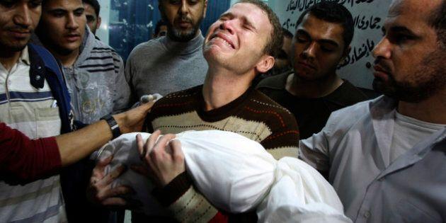 La photo du journaliste de la BBC portant son fils mort à Gaza a fait le tour du web, pourquoi?