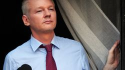 Exclusif: Alors que débute le procès de Bradley Manning, Julian Assange s'exprime sur Huff Post