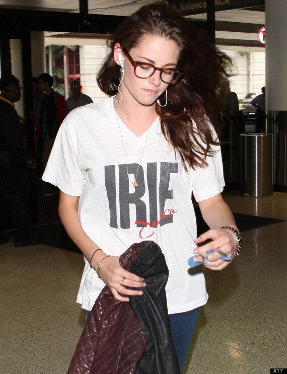 Festival du film de Toronto: Kristen Stewart arrive en ville pour son film «On The Road» avec un doigt...