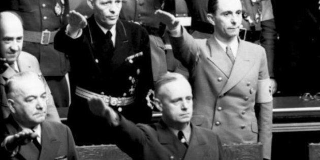 Reichstagsitzung in der Kroll-Oper, Joseph Goebbels und Joachim von Ribbentrop, Hitler-Gruß; keine PK-Angabe...