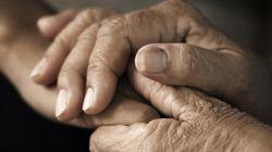Secrets de famille: à 60 ans, elle découvre que son mari était aussi son