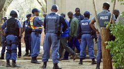 En Afrique du Sud, la police tire, les grévistes sont inculpés pour