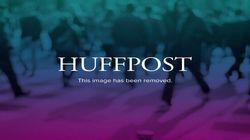 Le président haïtien Michel Martelly joue avec le