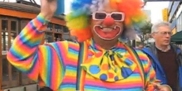 Kenny le Clown a tenu l'iPad de Steve Jobs dans ses mains, après le cambriolage de la maison du fondateur