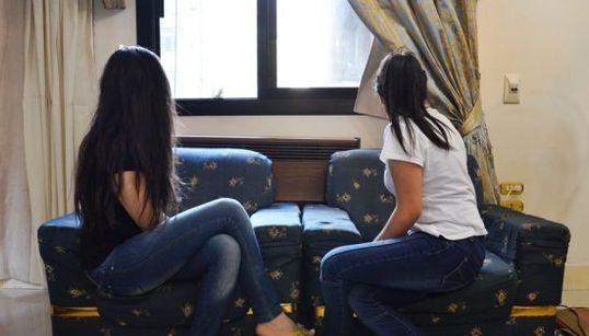 Le périple de trois soeurs syriennes en exil, victimes de la crise en