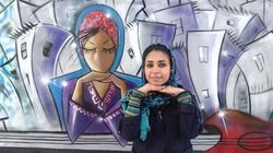 La première femme artiste de rue en
