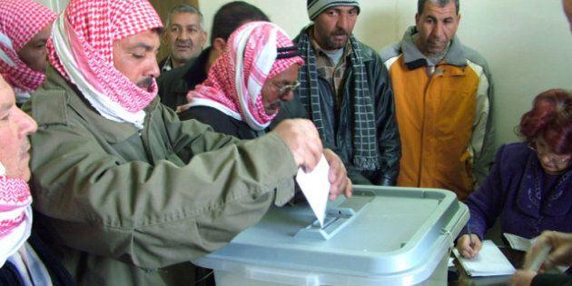 Syrie: référendum controversé sur la Constitution, 30 morts dans la