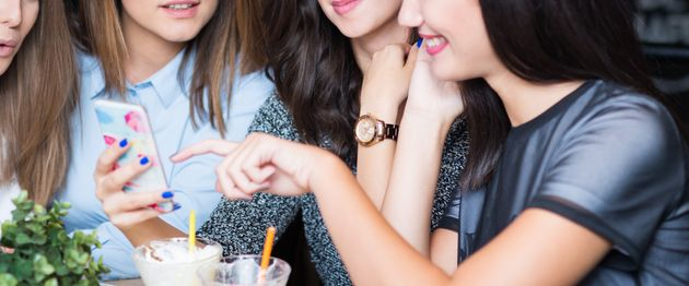 Il gossip piace a uomini e donne e occupa in media un'ora al
