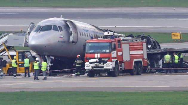 Πιθανό λάθος πιλότου πίσω από το αεροπορικό δυστύχημα στη Ρωσία εξετάζουν οι