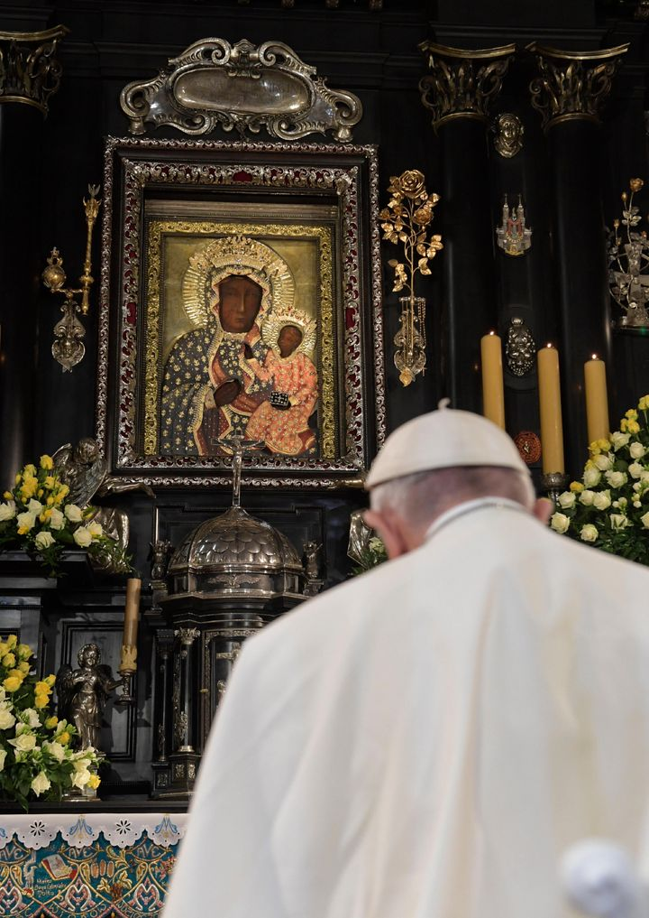 Pope Francis prays in front of the Black Madonna in the Jasna Gora shrine in Czestochowa, Poland, on July 28, 2016.
