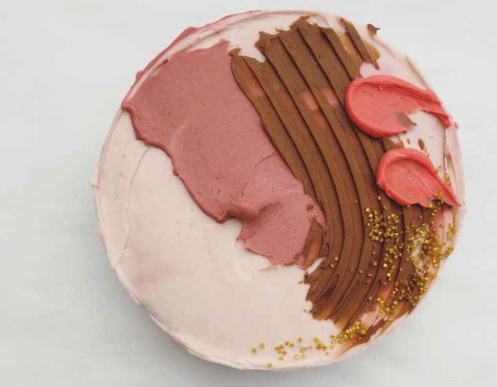 With a little creativity (and a few handy tools), a messy-looking cake can turn into an abstract work of art.