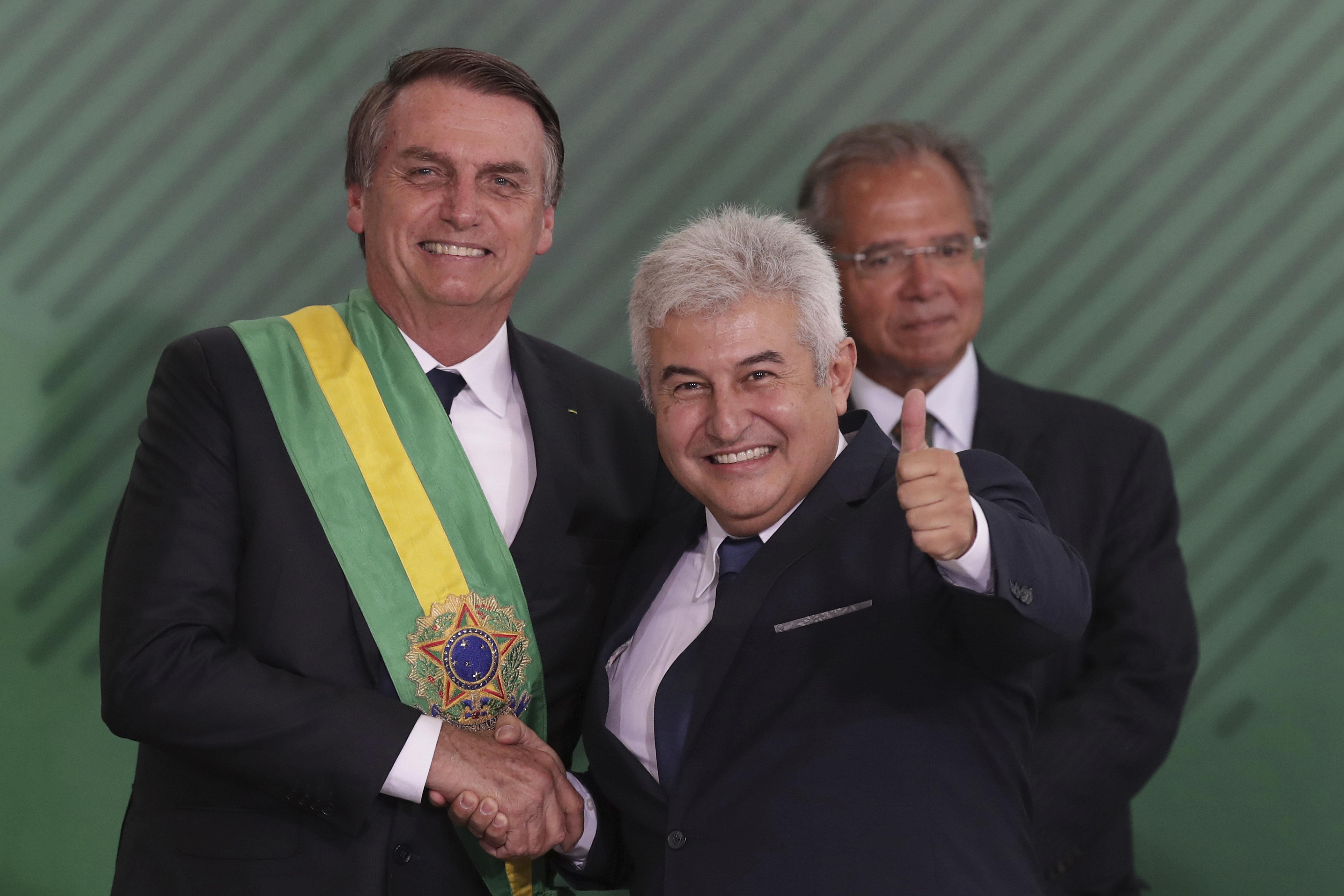 Jair Bolsonaro e o ministro deCiência e Tecnologia, Marcos Pontes. Ao fundo, o ministro da...