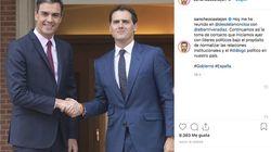 Avalancha del mismo comentario a esta foto de Pedro Sánchez en