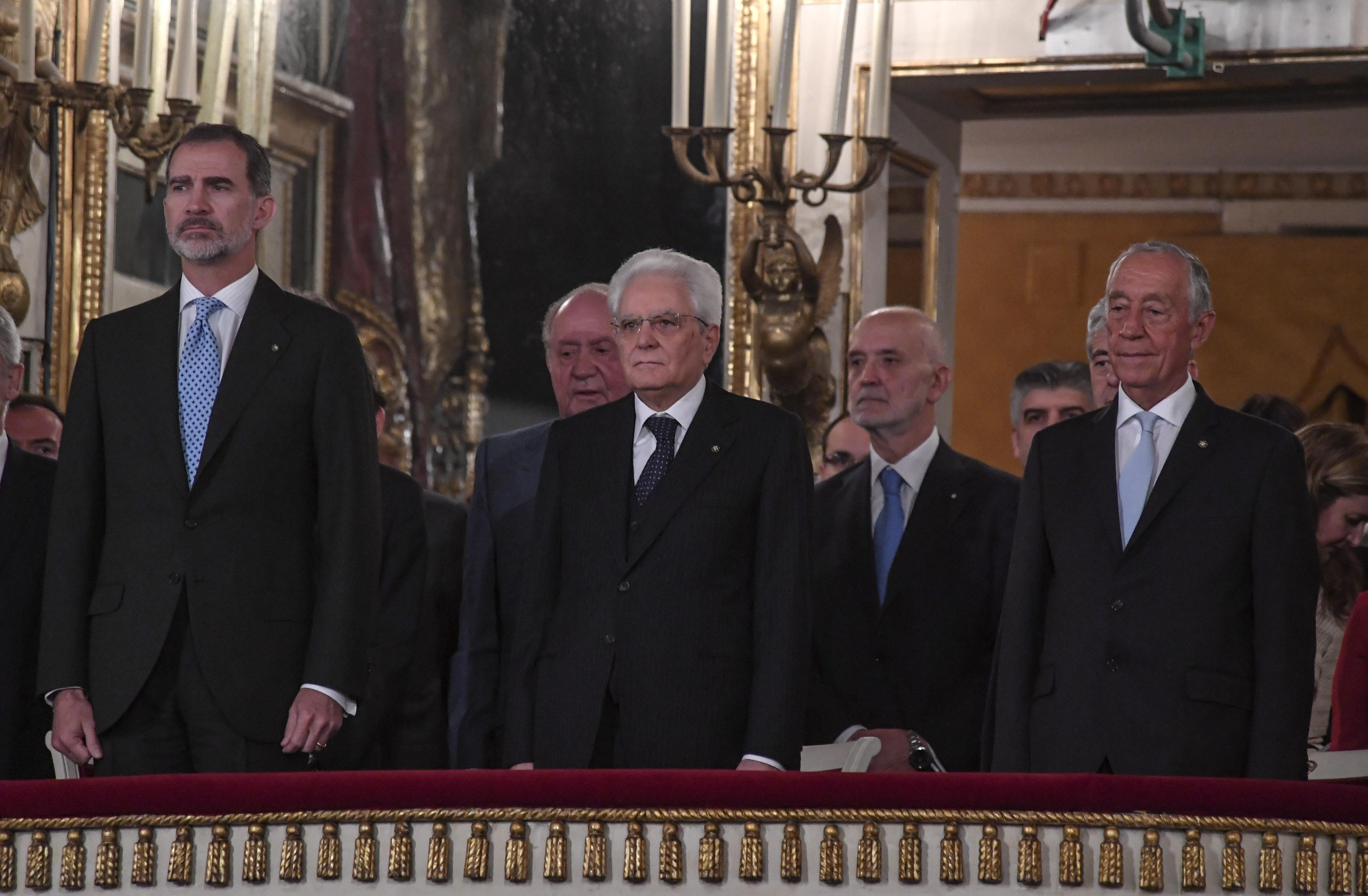 Gaffe al San Carlo di Napoli: per il Re di Spagna suona l'inno