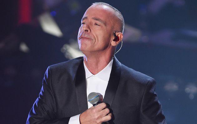 Eros Ramazzotti operato alle corde vocali salta il