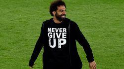 Blessé, Salah portait le t-shirt parfait pour encourager ses