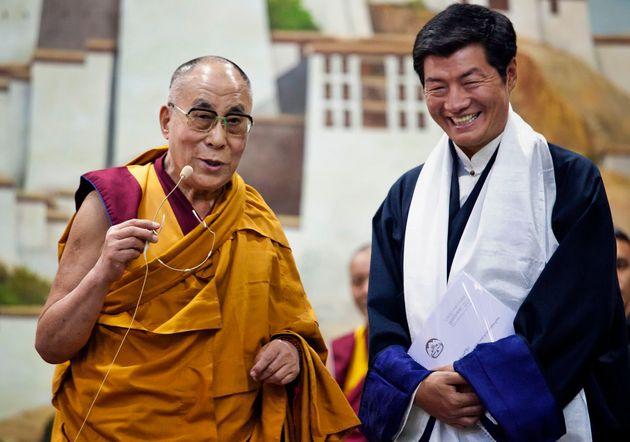 Ο πρωθυπουργός της εξόριστης κυβέρνησης του Θιβέτ μιλά στη