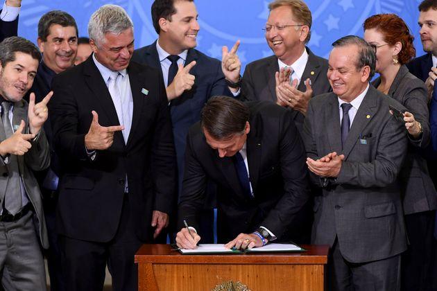 O decreto foi assinado em cerimônia no Palácio do Planalto na terça-feira