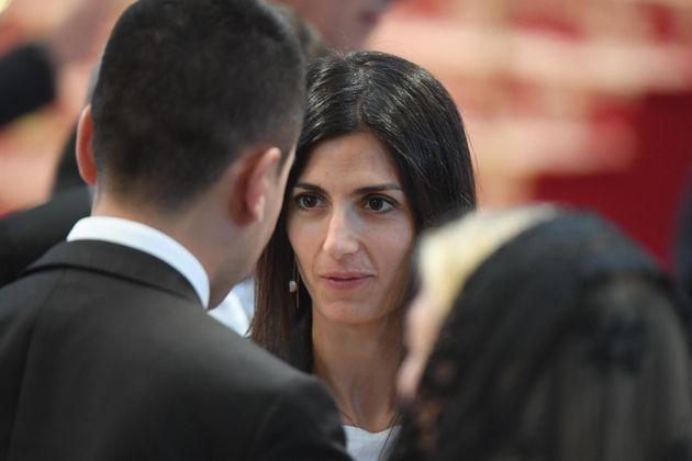 Di Maio irritato con la Raggi per la casa ai rom: