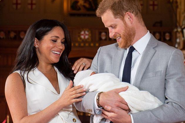 Un'esperta di linguaggio del corpo rivela che genitori saranno Harry e