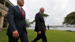 Mike Pence Soaks Up Sydney Tourist Hot