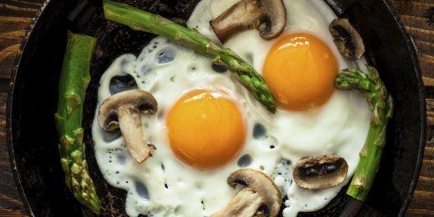 Fried Eggs With Asparagus and