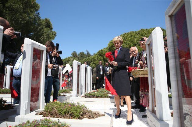 The Minister for Foreign Affairs attends a ceremony as part of the 102nd anniversary of the Canakkale Land Battles in Canakkale on Monday.
