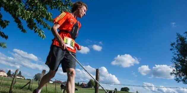 Clement Gass, who is nearly blind, runs the 26 km 'trail of Kochersberg' with a white cane and a GPS...