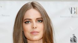Robyn Lawley Flaunts 'Badass Tiger Stripe' Stretch Marks After Abortion