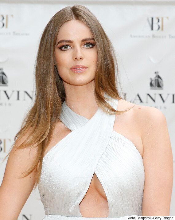 Robyn Lawley Flaunts 'Badass Tiger Stripe' Stretch Marks After Claim She Considered