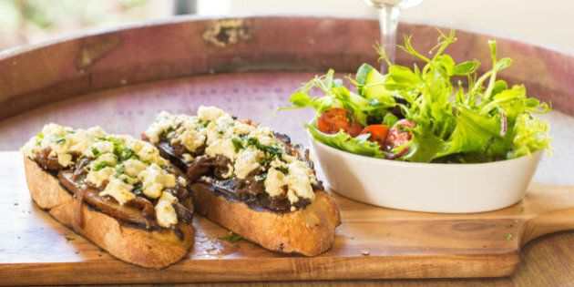 Delicious Goat Cheese Bruschetta