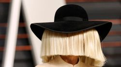 Sia Returns To Perform On 'SNL', Totally Nails