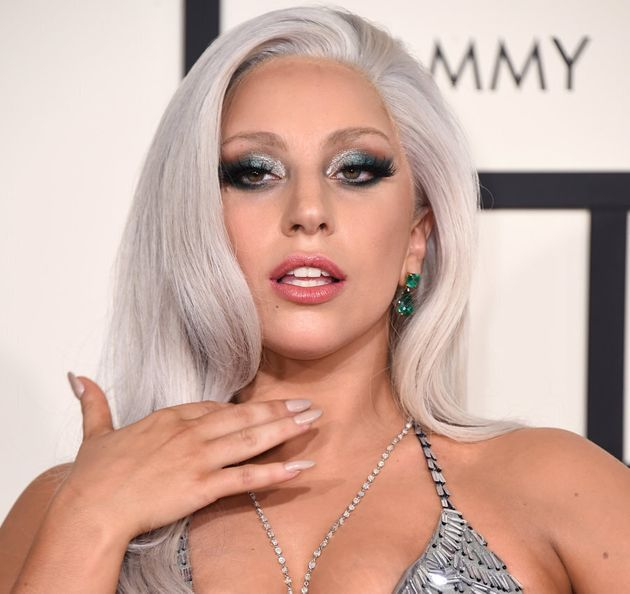 Lady Gaga opted for a silver shade for her strands at the 2015 Grammy Awards, even if it was a