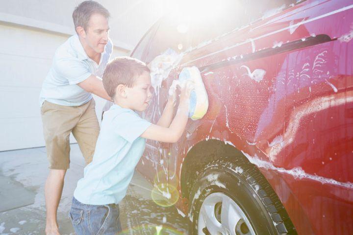 As a mild abrasive, bi-carb can help polish car surfaces.