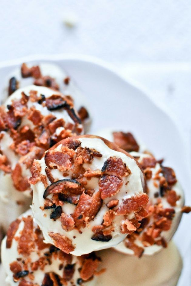 Here's How To Make Maple Bacon (And Tasty Ways To Use