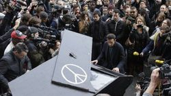 Pianist Plays 'Imagine' Outside Bataclan, Uniting Parisians In Moment Of