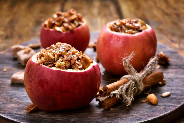 Tip: bake apples filled with granola for a healthy dessert.