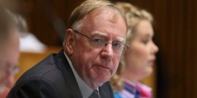 Ian Macdonald Says Nauru Isn't A 'Hellhole', Backs Government Asylum Seeker