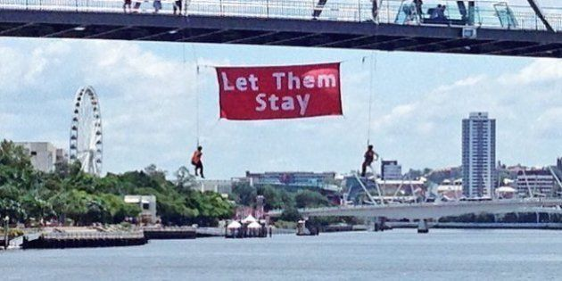 Refugee Advocates Stage Another Daring Protest, This Time On Brisbane