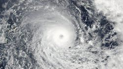 Flights Grounded, Australians Told To 'Bunker Down' Cyclone Winston Approaches