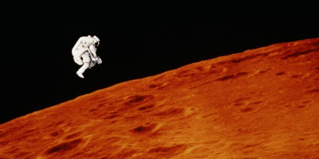 ASTRONAUT AND MARS