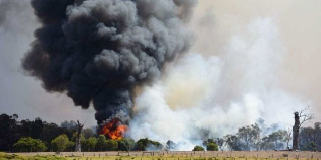 WA Bushfire Contained But Not Controlled On Fifth Straight Day Of