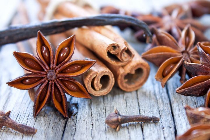 Cinnamon pairs perfectly with aromatic spices like star anise, cloves and vanilla.