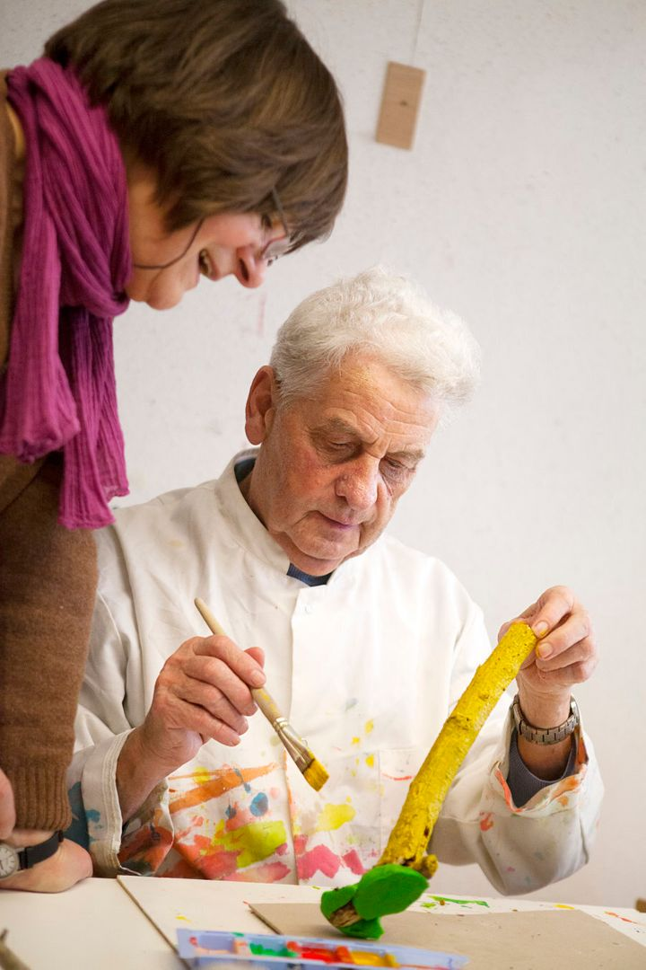 Art therapy can be useful for Alzheimer's sufferers. (Photo by: BSIP/UIG via Getty Images)