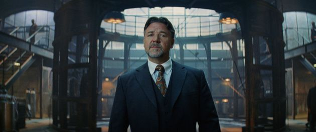 He's that guy!!!! Russell Crowe as Dr Henry Jeykll (and Mr